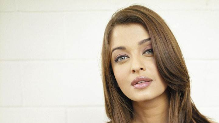 Aishwarya Rai Modeling Shoot On White Bed