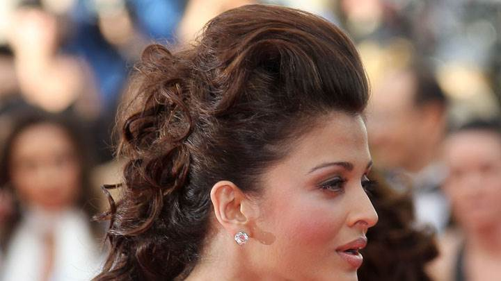 Aishwarya Rai Side Face Closeup In An Event
