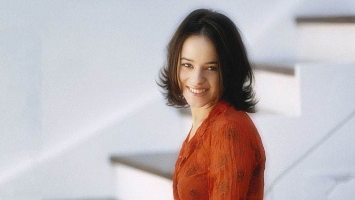 Alizee Jacotey Smile In Orange Color Dress