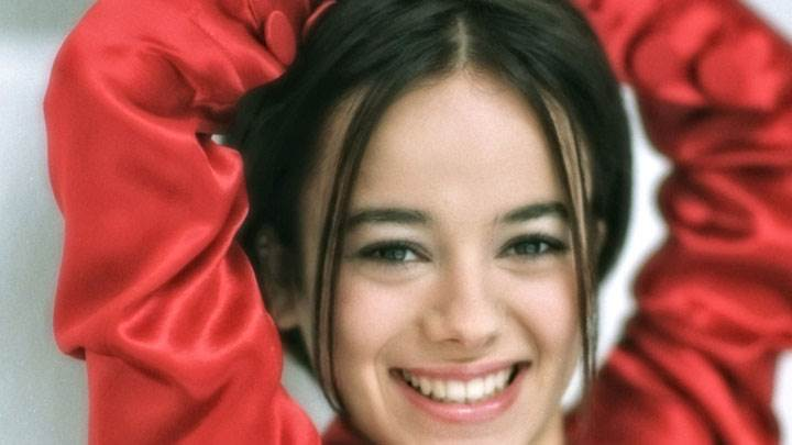 Alizee Jacotey Smiling Face Closeup In Red Dress