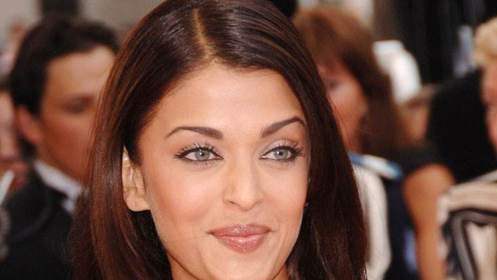 Cute Face Of Aishwarya Rai