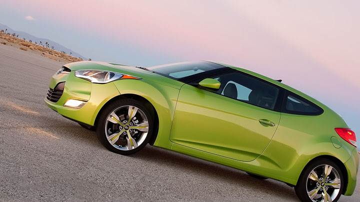 Green Color Hyundai Veloster Sidephotoshoot