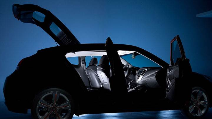 Hyundai Veloster Open Doors Photoshoot In Shadow