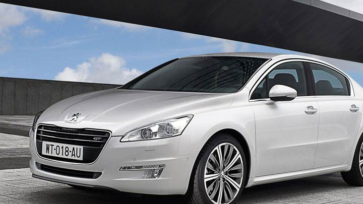 Peugeot 508 Saloon White Color Front Side