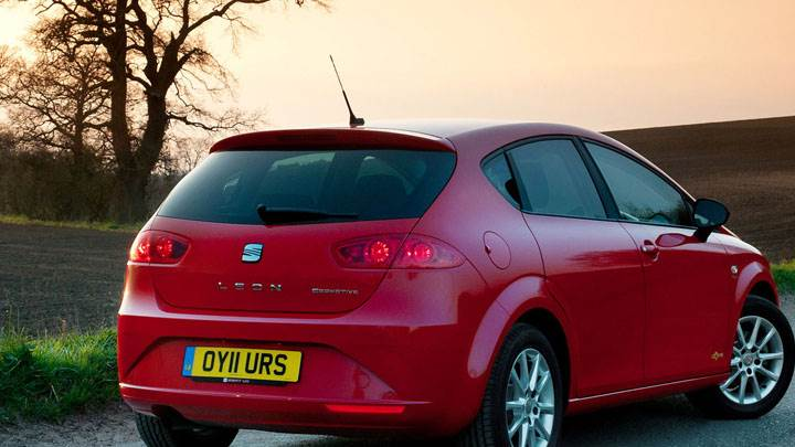 SEAT Ibiza SC SE Copa Back Pose in Red Color