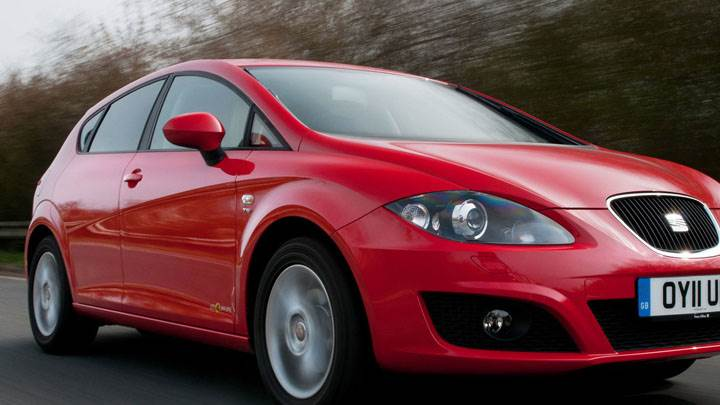 SEAT Ibiza SC SE Copa Front Side Pose on Highway