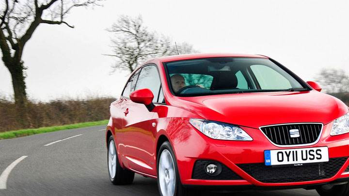 SEAT Ibiza SC SE Copa Red Color Front Pose