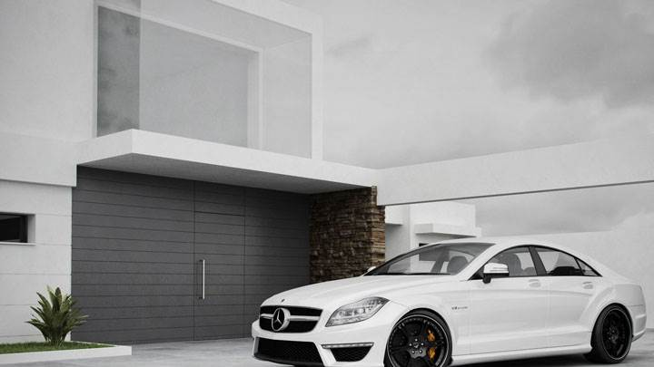 Wheelsandmore Mercedes CLS63 Amg Outside A House