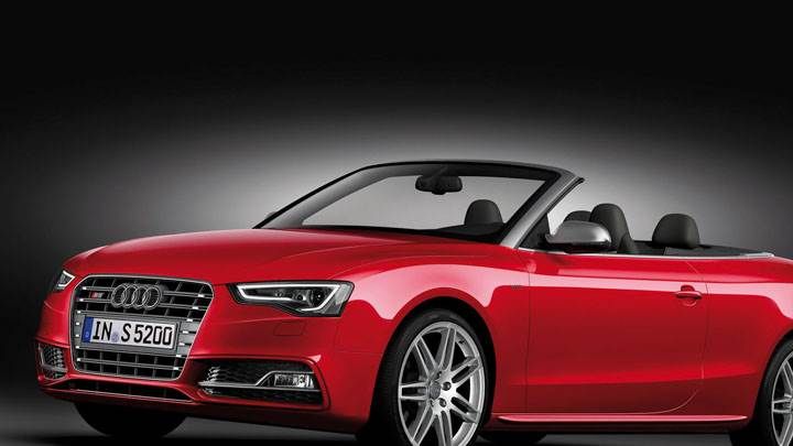 2012 Audi S5 Cabriolet Front Side View