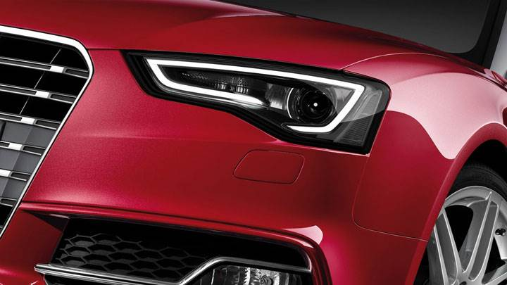 2012 Audi S5 Cabriolet Headlight Photo