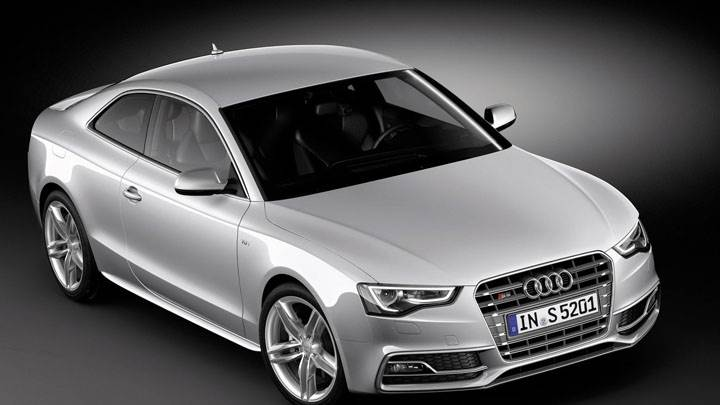 2012 Audi S5 Coupe Front Top View