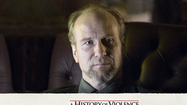 A History Of Violence – William Hurt Sitting On Sofa Face Closeup