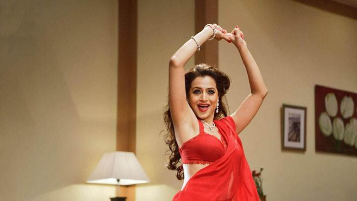 Amisha Patel Dancing In Red Sarees