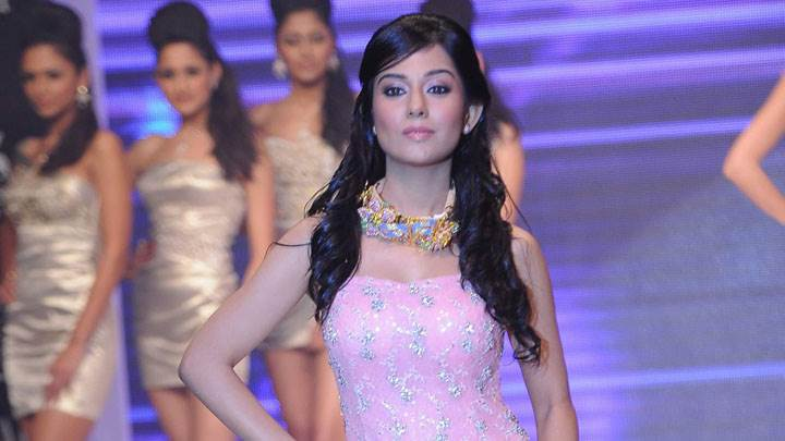 Amrita Rao Modeling Pose In Pink Dress