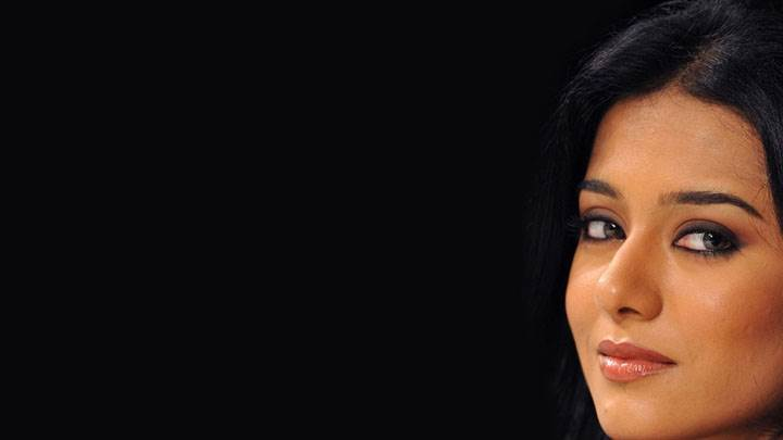 Amrita Rao Sweet Face Closeup And Black Background
