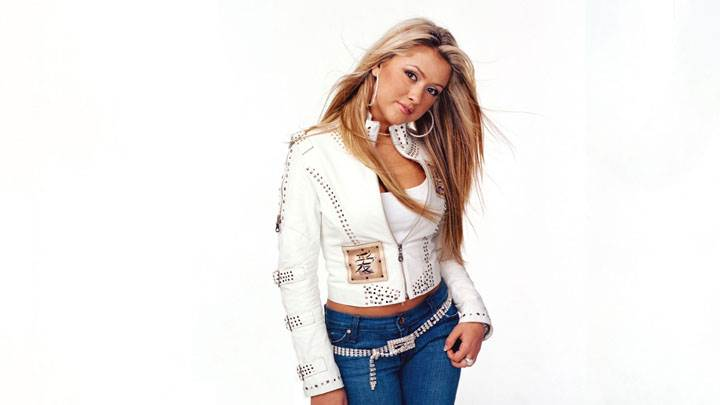 Angel Faith In Top And Jeans Sweet Pose