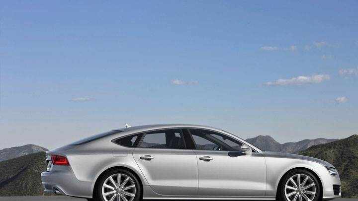 Audi A7 Sportback 2011 Side Pose Near Mountains