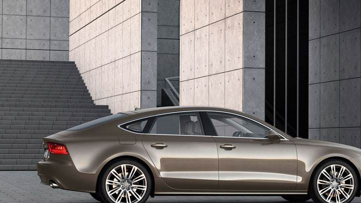 Audi A7 Sportback Brown Side Pose