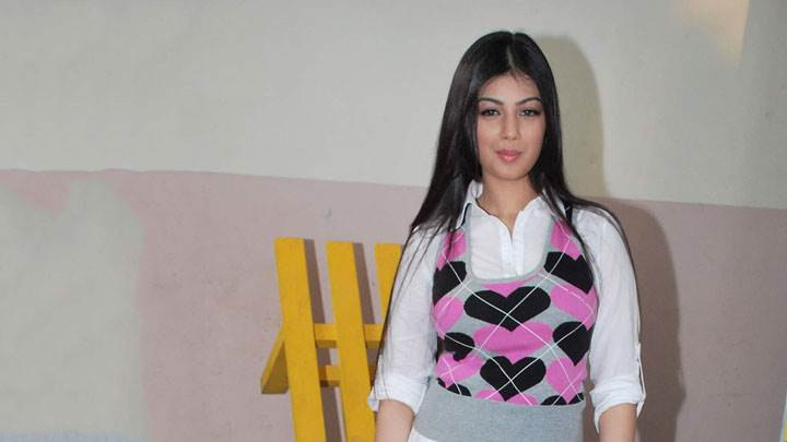 Ayesha Takia Smiling In White Heart Dress
