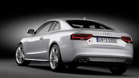 Back Pose of 2012 Audi S5 Coupe