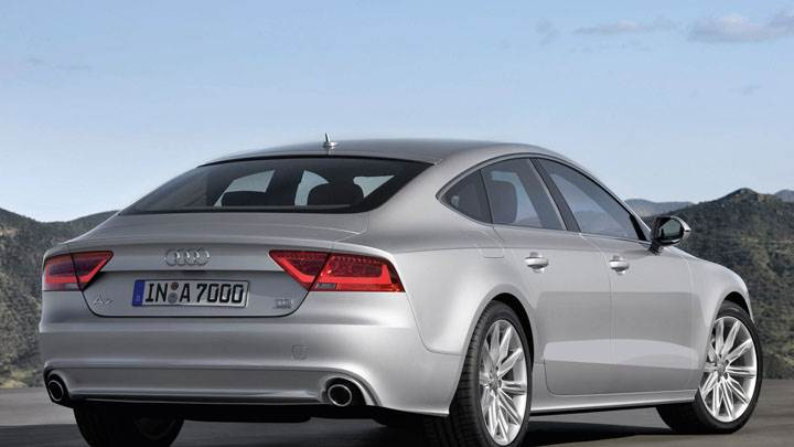 Back Side Pose of Audi A7 Sportback in Silver
