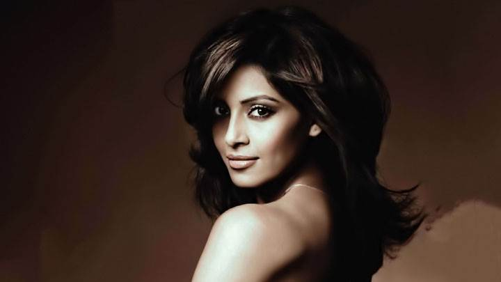 Bipasha Basu Looking Back Photoshoot
