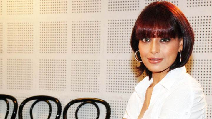 Bipasha Basu Sitting In White Shirt