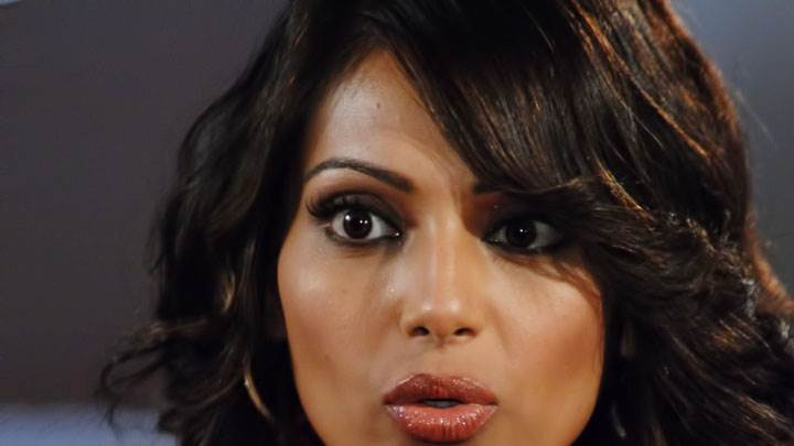 Bipasha Basu Wet Lips And Face Closeup
