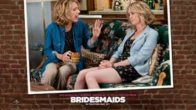 Bridesmaids &#8211; Jill Clayburgh And Kristen Wiig Sitting And Talking