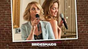 Bridesmaids &#8211; Kristen Wiig And Rose Byrne Mic In Hand