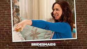 Bridesmaids &#8211; Maya Rudolph Holding An Apple In Hand