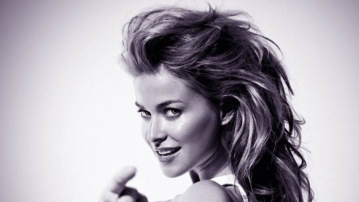 Carmen Electra Black And White Side Face Photoshoot