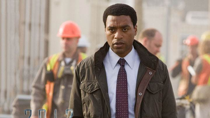Chiwetel Ejiofor In Brown Jacket