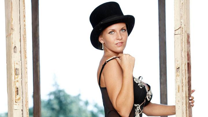 Cikita Blue Eyes In Black Dress And Hat