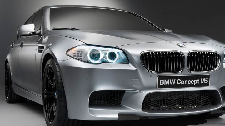 Closeup Front Picture of 2012 BMW M5 Concept