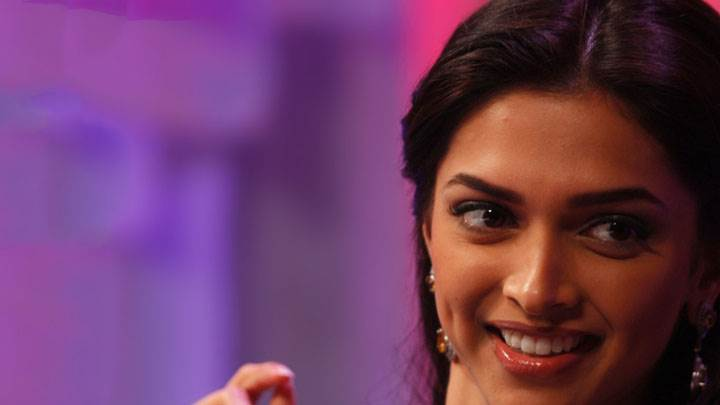 Deepika Padukone Cute Smiling Face Closeup