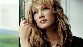 Delta Goodrem Blue Eyes And Cute Face Photoshoot