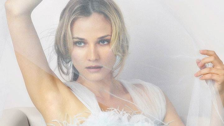 Diane Kruger Sitting Pose In White Dress