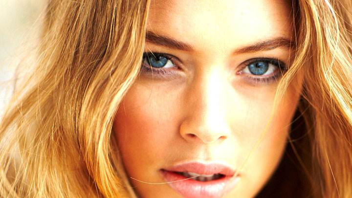 Doutzen Kroes Blue Eyes And Face Closeup