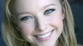 Elisabeth Harnois Smiling Cute Face Closeup