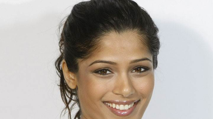 Freida Pinto Face Closeup And Smiling And White Background