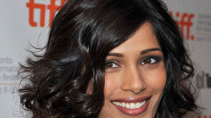 Freida Pinto Face Closeup And Smiling Pose