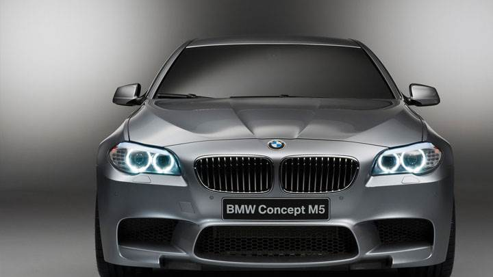 Front Closeup Picture of 2012 BMW M5 Concept