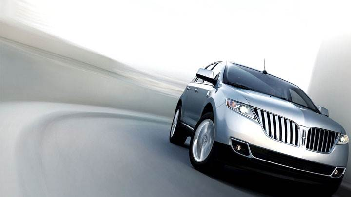 Front Pose On Highway of Lincoln MKX