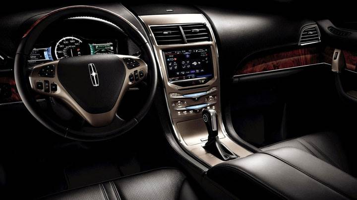 Interior of Lincoln MKX
