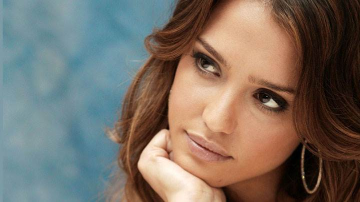 Jessica Alba Cute Innocent Face Closeup