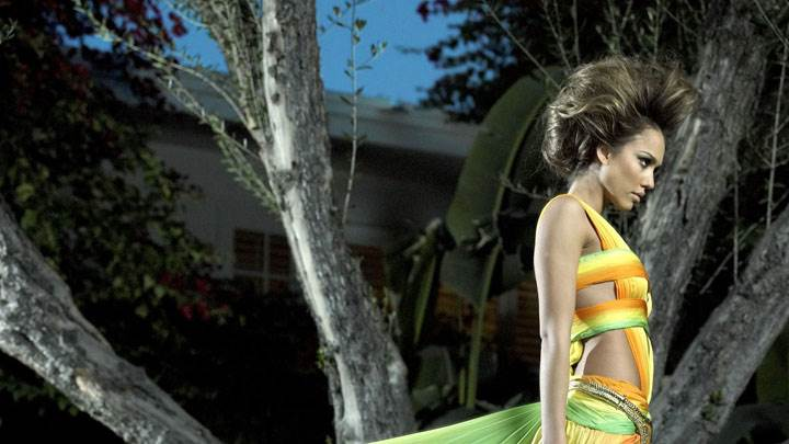 Jessica Alba In Yellow Colorful Dress Side Photoshoot