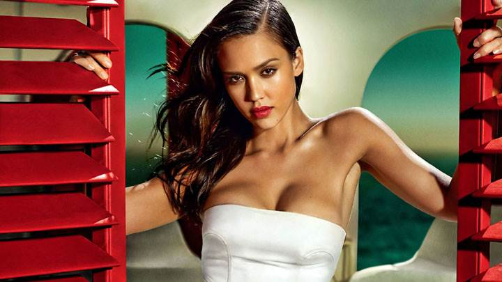 Jessica Alba Red Lips And Door In White Dress