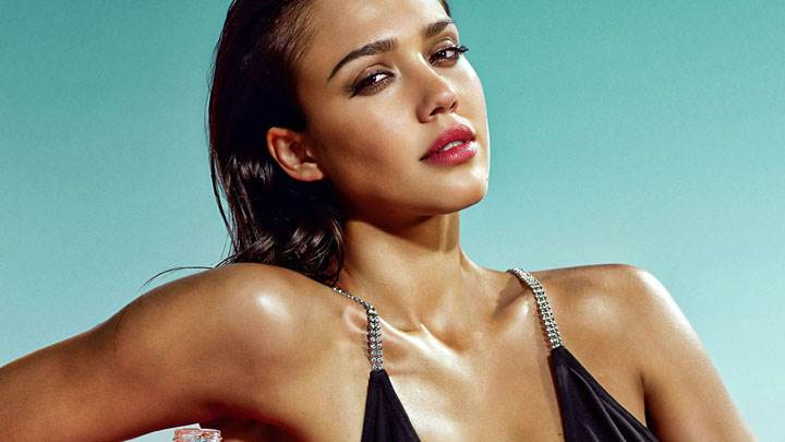 Jessica Alba Red Lips Looking Front Photoshoot
