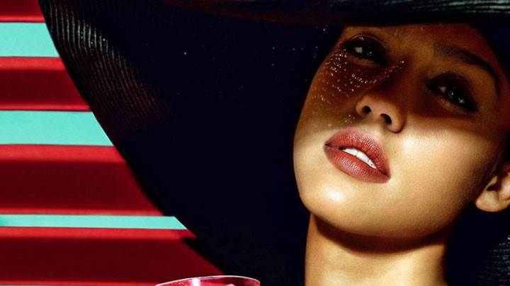 Jessica Alba Red Lips Wearing Black Hat